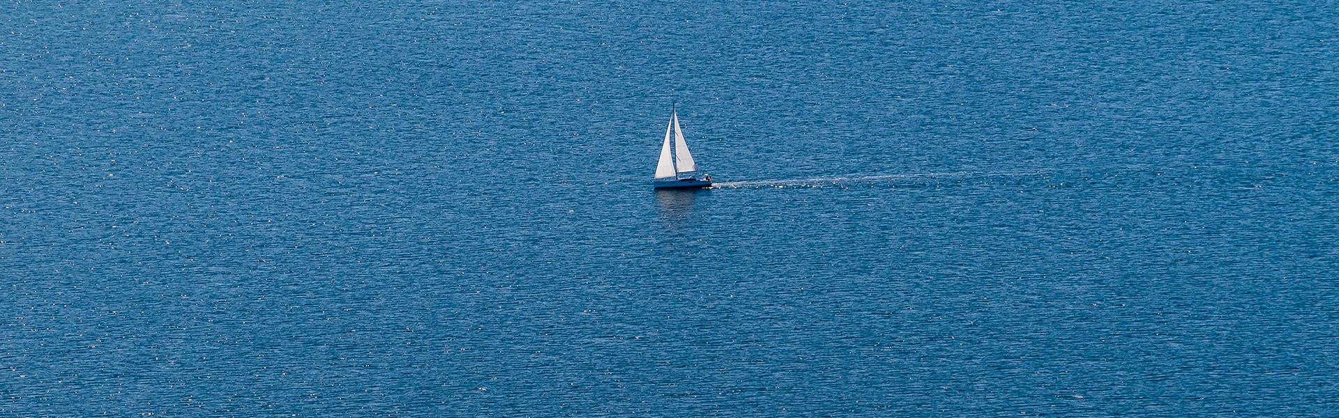 Segelboot_Luftaufnahmen_DOMUSimages_w1920